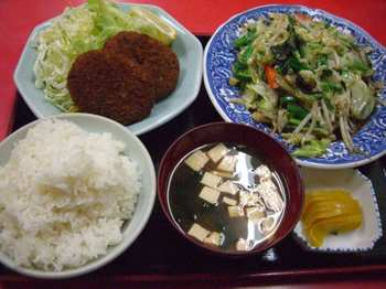 コロッケ+野菜炒め