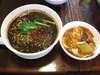 黒胡麻坦々麺中華丼