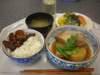 豚肉と大根の角煮・サラダ