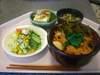 豚キムチ丼・サラダ・豆腐